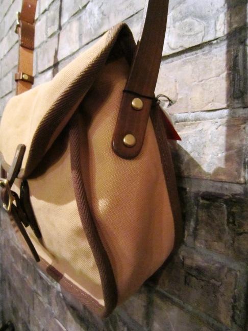"""SLOW \""""tannin shoulder bag Ssize\"""" ご紹介_f0191324_9501850.jpg"""