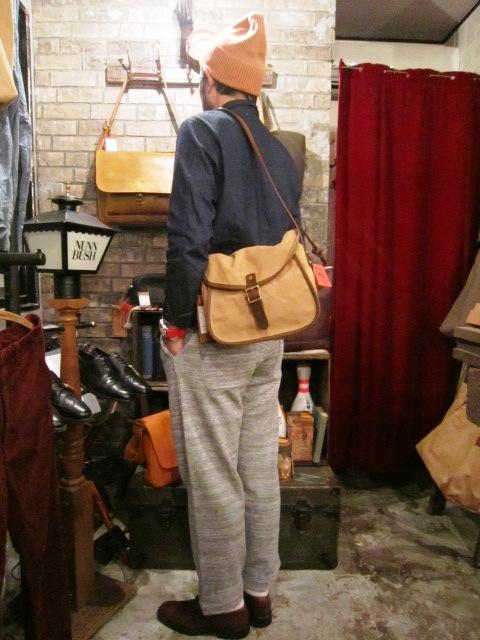 """SLOW \""""tannin shoulder bag Ssize\"""" ご紹介_f0191324_9504257.jpg"""