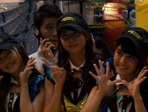 JKT48のナビラさん、センディさん、フェランダさん@インドネシア・フェスティバル(9/21~9/22)_a0054926_105646100.jpg