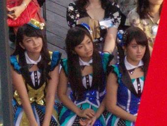 JKT48のナビラさん、センディさん、フェランダさん@インドネシア・フェスティバル(9/21~9/22)_a0054926_13181020.jpg