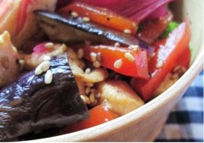 9.24 茄子と鶏肉のショウガ焼きとタマゴ巻きのお弁当~保存食作り~_e0274872_12344841.jpg