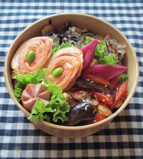 9.24 茄子と鶏肉のショウガ焼きとタマゴ巻きのお弁当~保存食作り~_e0274872_12364377.jpg