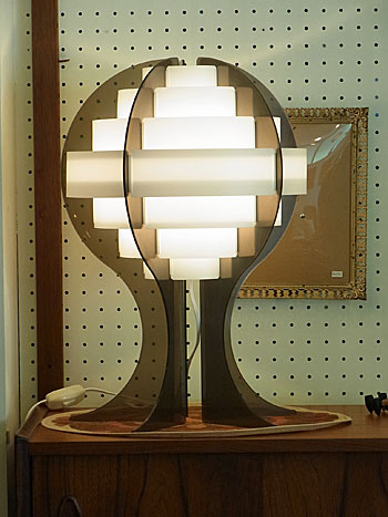 table lamp_c0139773_1313112.jpg