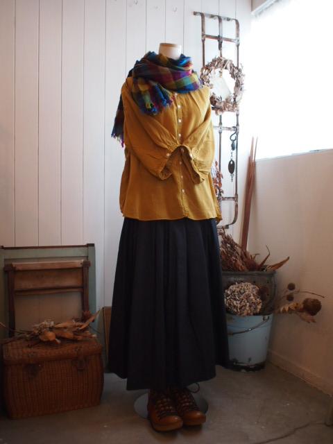 スカートとカットソー。_a0164280_16362056.jpg