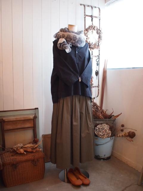 スカートとカットソー。_a0164280_1636252.jpg