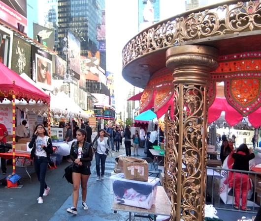 NYタイムズ・スクエアで史上初のインドの光のお祭り開催 Diwali at Times Square_b0007805_19553730.jpg