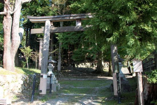 静原神社へ_e0048413_2223064.jpg