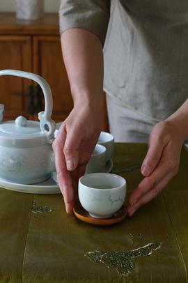 「お茶をどうぞ♪」のsalondeshantiさん登場!_c0039735_1331589.jpg