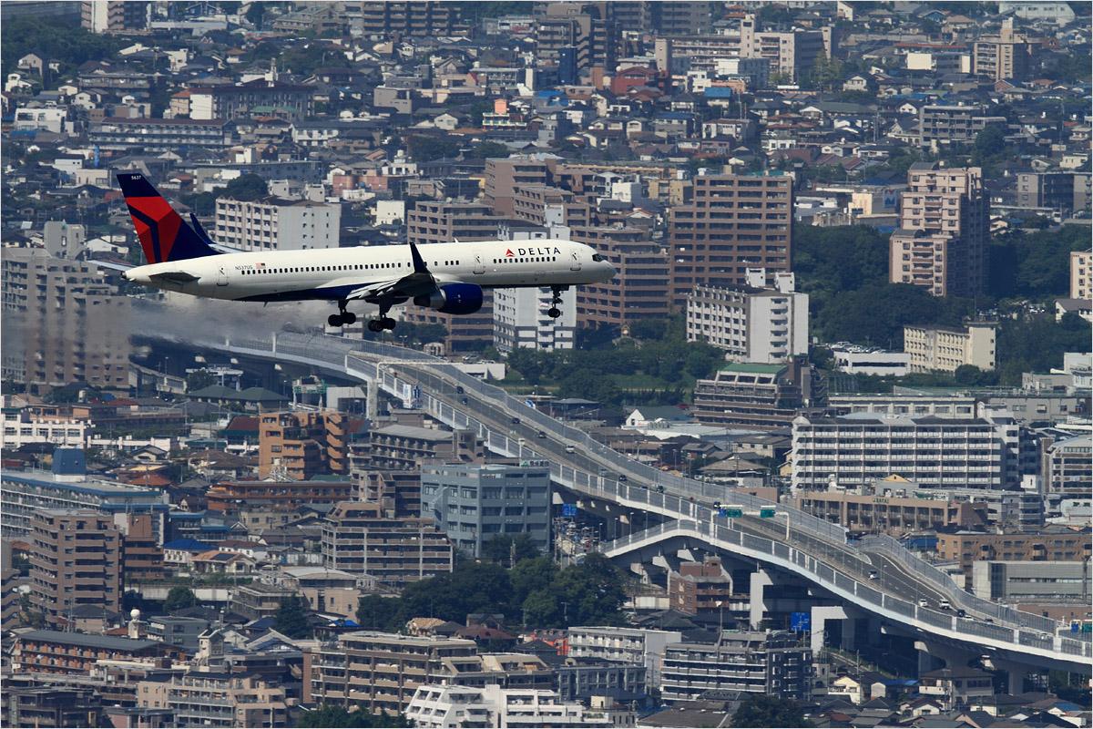 眺望 3 - 福岡空港_c0308259_0244946.jpg