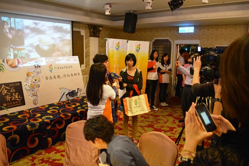 食在有趣 台湾、美食めぐり⑧ ファイナルはみんなで辦桌(バンド)_b0053082_115477.jpg