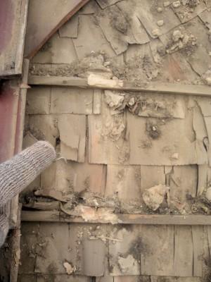 板橋区成増で瓦屋根の雨漏り修理_c0223192_18272617.jpg