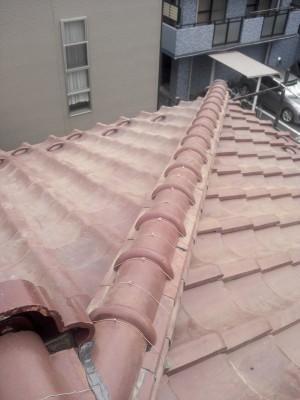 板橋区成増で瓦屋根の雨漏り修理_c0223192_18291579.jpg