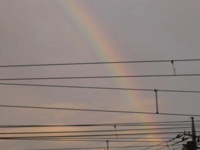 きれいな虹が出ました♪♪_f0194657_1926021.jpg