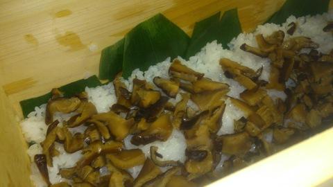 米山ガーデン料理教室「笹の押し寿司」。_d0182179_13414663.jpg