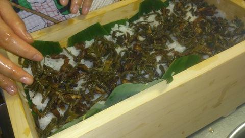 米山ガーデン料理教室「笹の押し寿司」。_d0182179_13431781.jpg