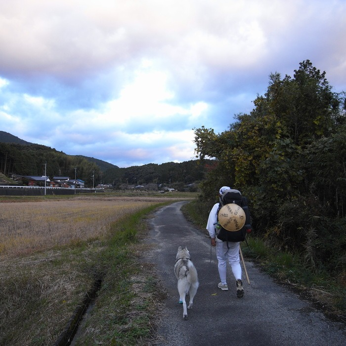Memory of the second pilgrimage with husky HANA_c0049299_19535376.jpg