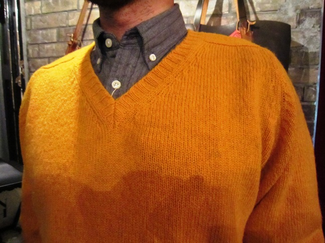 "Jamieson\'s ""SOLID V PULLOVER\"" ご紹介_f0191324_9143450.jpg"