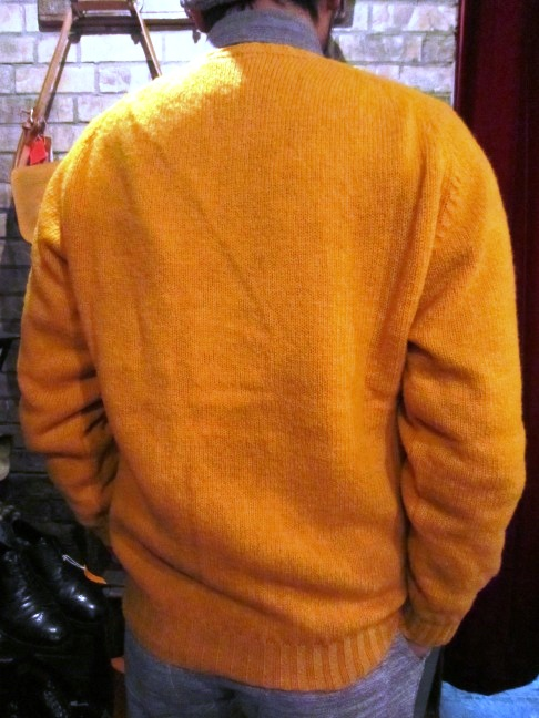 "Jamieson\'s ""SOLID V PULLOVER\"" ご紹介_f0191324_914431.jpg"