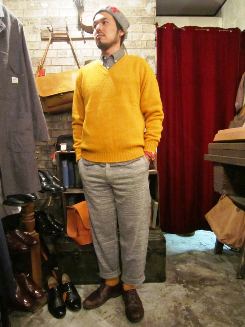 "Jamieson\'s ""SOLID V PULLOVER\"" ご紹介_f0191324_9145137.jpg"