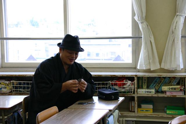 おとどけアート 9月19日(火) 北陽小学校×佐藤隆之 その1_a0062127_1441782.jpg