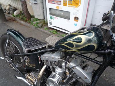 本日のバイク!!_f0194657_16365937.jpg