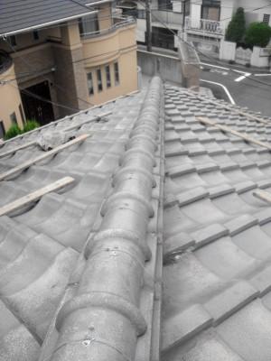板橋区の高島平で雨漏り修理_c0223192_18355460.jpg