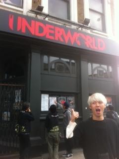 """WORLD TOUR OR DIE!!! \""""Weeeeeeeeee are in Europe!!!\""""日記4_b0209830_8434514.jpg"""