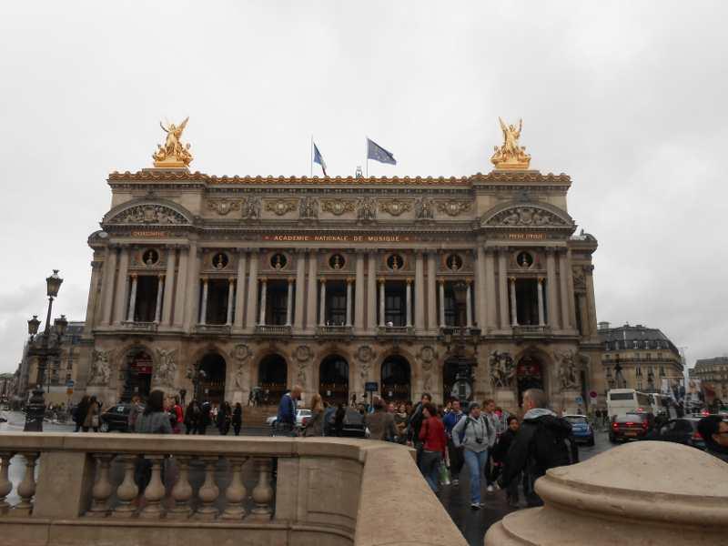 パリで最後の宴会の準備_a0095931_11431652.jpg