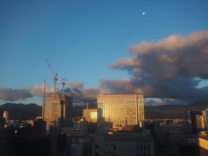 2013 9月 札幌 (12)  ANA の朝食の感じ と 朝散歩_f0062122_6142479.jpg
