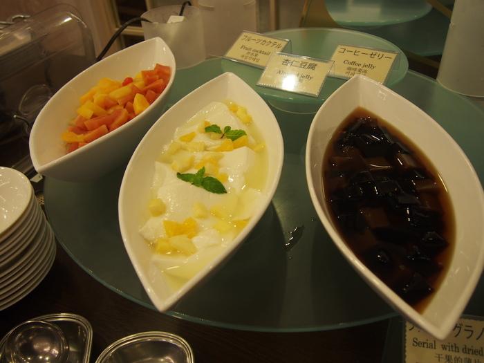 2013 9月 札幌 (12)  ANA の朝食の感じ と 朝散歩_f0062122_6151279.jpg