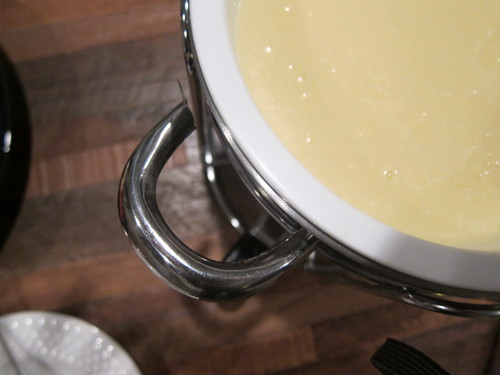 暖炉の前で、チーズフォンデュ~♪_d0240098_842437.jpg