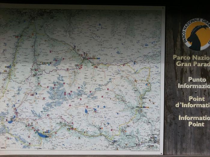 グラン パラディーゾ国立公園の湖で秋散歩🍁 Lago di Ceresole _b0246303_232365.jpg