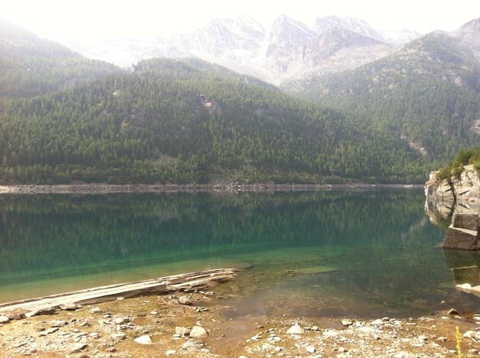 グラン パラディーゾ国立公園の湖で秋散歩🍁 Lago di Ceresole _b0246303_23433813.jpg