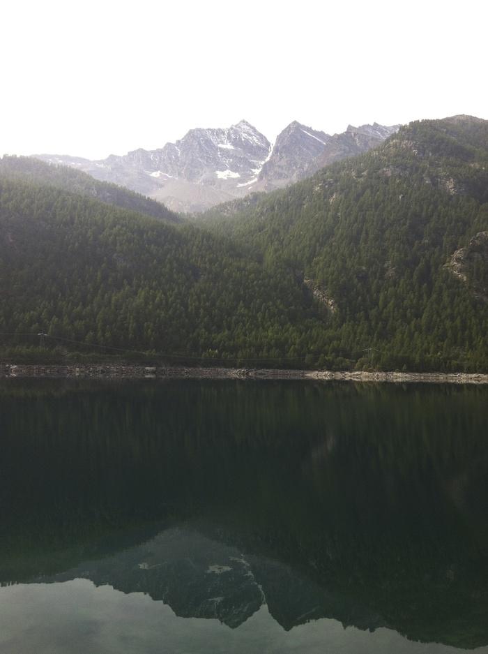グラン パラディーゾ国立公園の湖で秋散歩🍁 Lago di Ceresole _b0246303_23441169.jpg