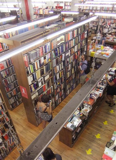NYを代表する老舗の本屋さん、ストランド・ブック・ストア(Strand Book Store)_b0007805_22432915.jpg