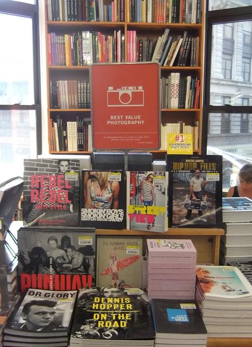 NYを代表する老舗の本屋さん、ストランド・ブック・ストア(Strand Book Store)_b0007805_22454676.jpg