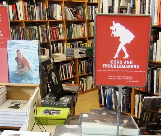 NYを代表する老舗の本屋さん、ストランド・ブック・ストア(Strand Book Store)_b0007805_2246465.jpg