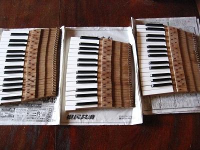 ピアノ(M1A)の鍵盤リニューアル!_f0182936_2114299.jpg