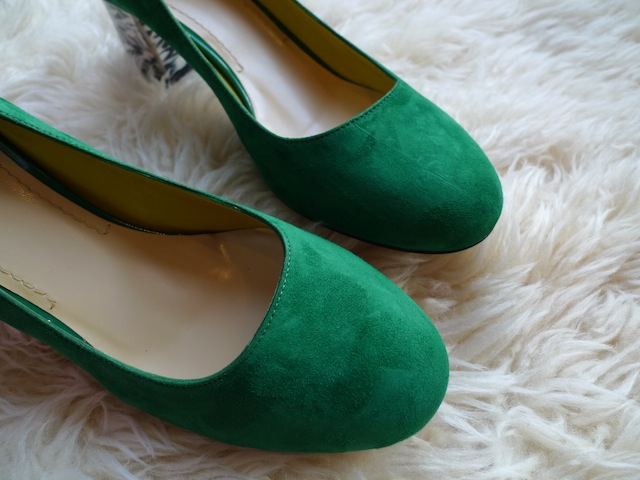 POLLINI SUEDE SHOES_f0111683_1638218.jpg