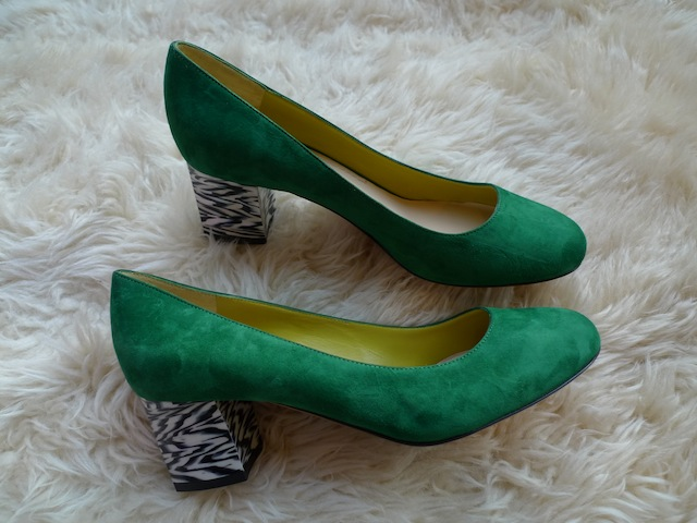 POLLINI SUEDE SHOES_f0111683_16382912.jpg