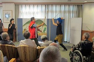 桃太郎の演劇<アクティブライフ山芦屋・デイサービス>_c0107602_10594145.jpg