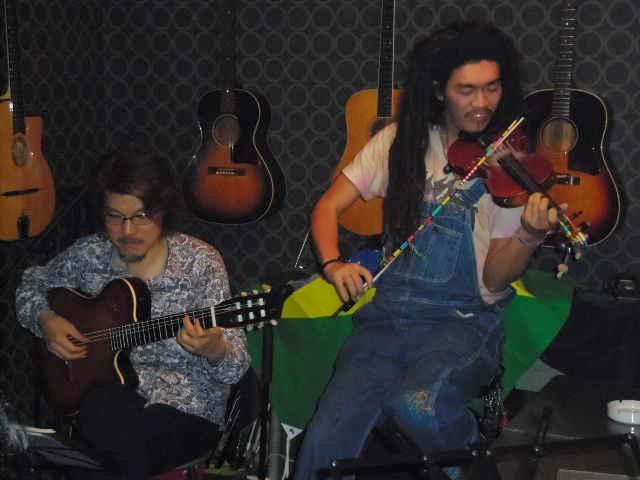 サンバ、ボサノバ、ショーロ・・・贅沢なブラジル音楽の夜_b0169403_1722338.jpg