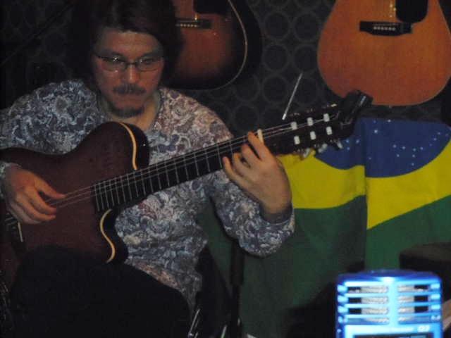 サンバ、ボサノバ、ショーロ・・・贅沢なブラジル音楽の夜_b0169403_1772288.jpg