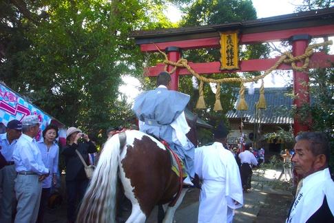 吉保八幡神社の流鏑馬(9月29日)_f0141559_6422815.jpg
