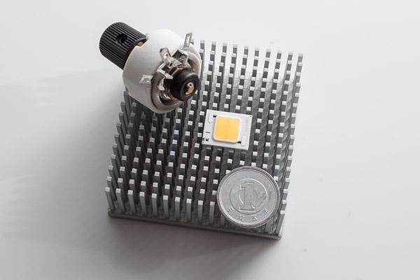 2013/10/01 シャープ製高演色10W LEDをテスト予定:優れもの2点_b0171364_182319.jpg