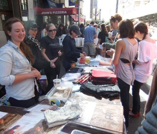 ブロードウェイ・フリーマーケット Broadway Flea Market 2013_b0007805_220187.jpg