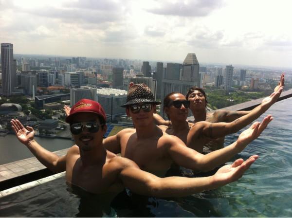 Rain MCM シンガポールでRAINー ing _c0047605_0493912.jpg