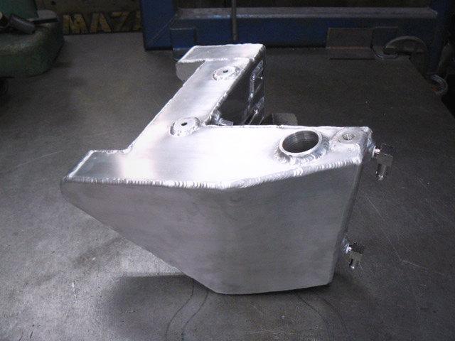 Aluminum Oil Tank_b0160319_145515100.jpg