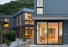 雑誌「新建築」に掲載されました_a0142322_14472760.jpg