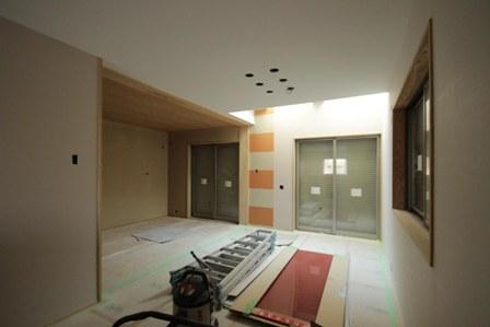 3階建て各階の壁、それぞれの表情。_f0170331_18435237.jpg